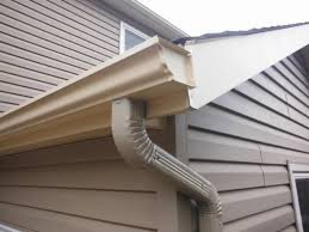 10 Spring Home Exterior Clean-Up Tips that you can do this spring. Sky Stucco Systems homeowner resources, facts, and tips. http://skystuccosystems.ca